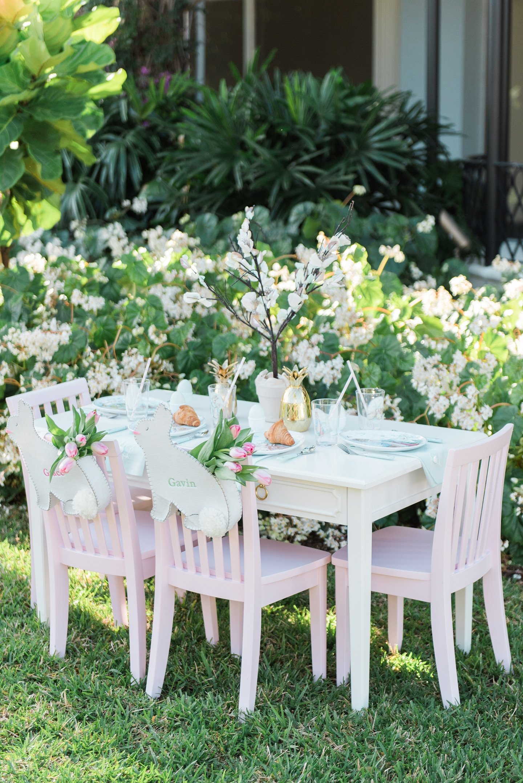 Easter Kids Table Inspiration