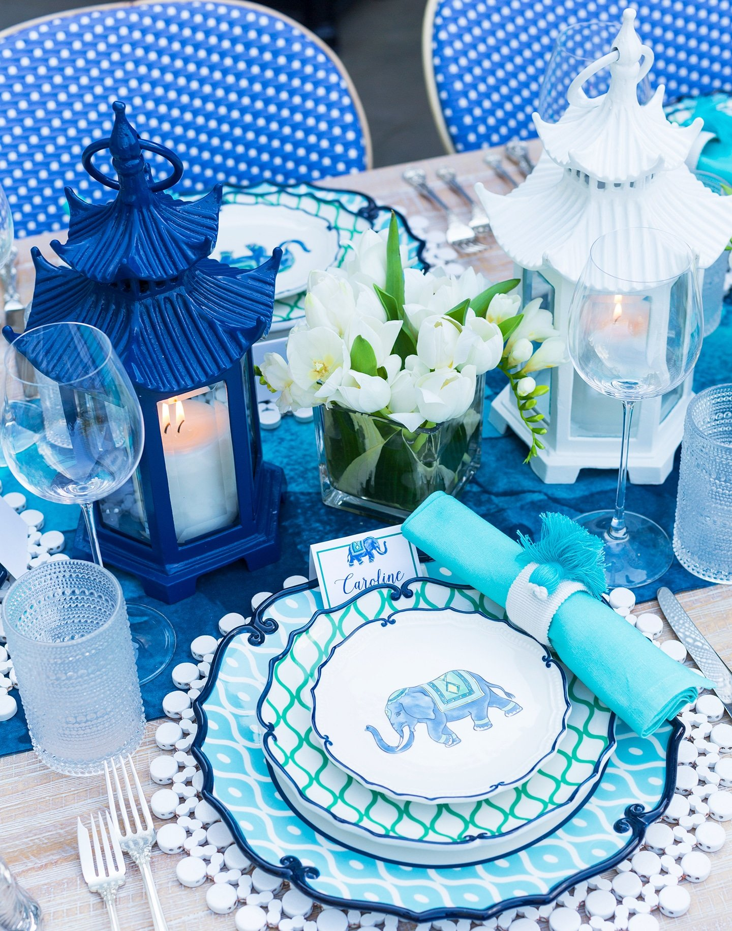 tips for hosting a stylish last minute backyard dinner party