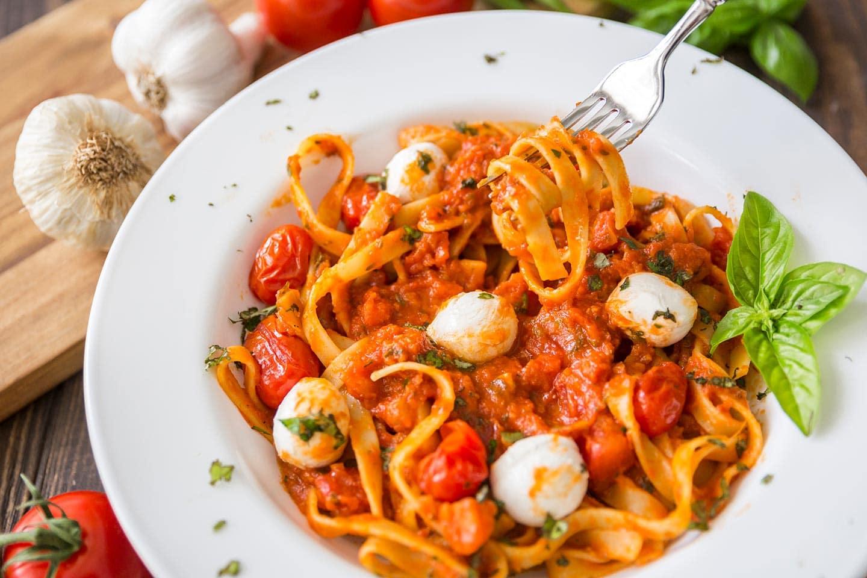 Easy Pasta Dish: Caprese Fettuccine Marinara