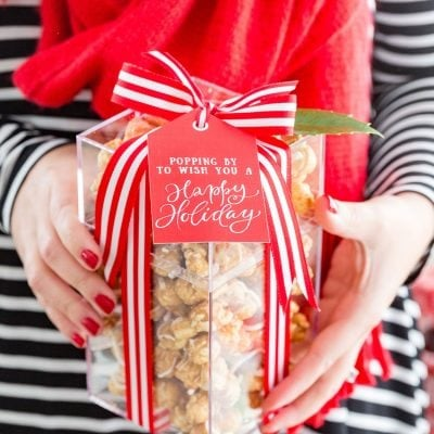 Free Gift Tag Printables and cute popcorn gift idea for the holidays!