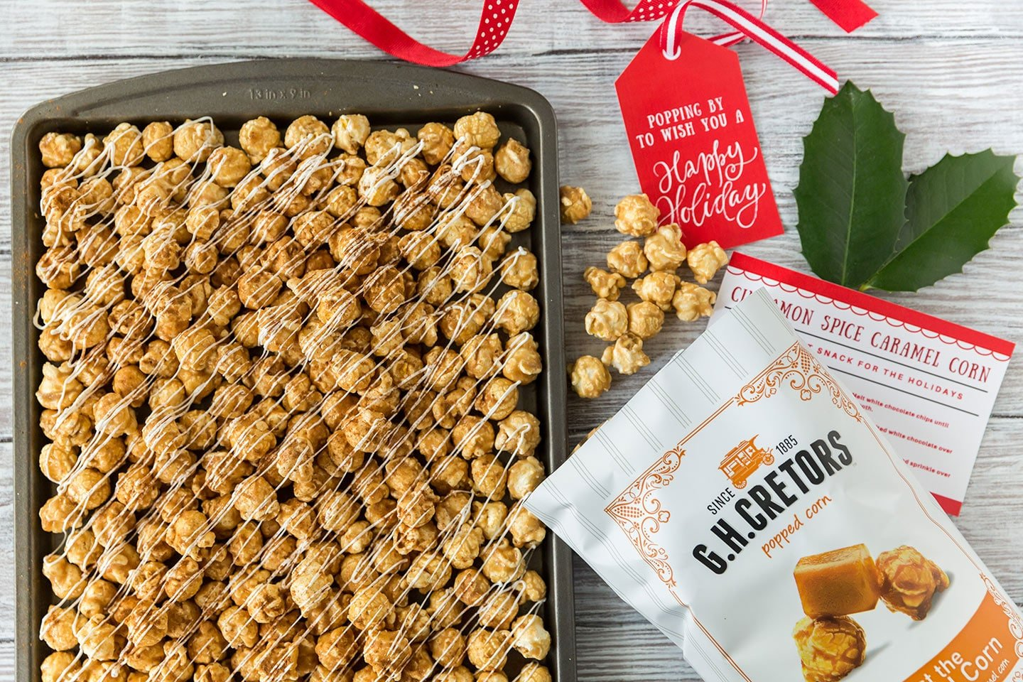 How to make Cinnamon Spice Caramel Corn and free printable gift tags and recipe card!