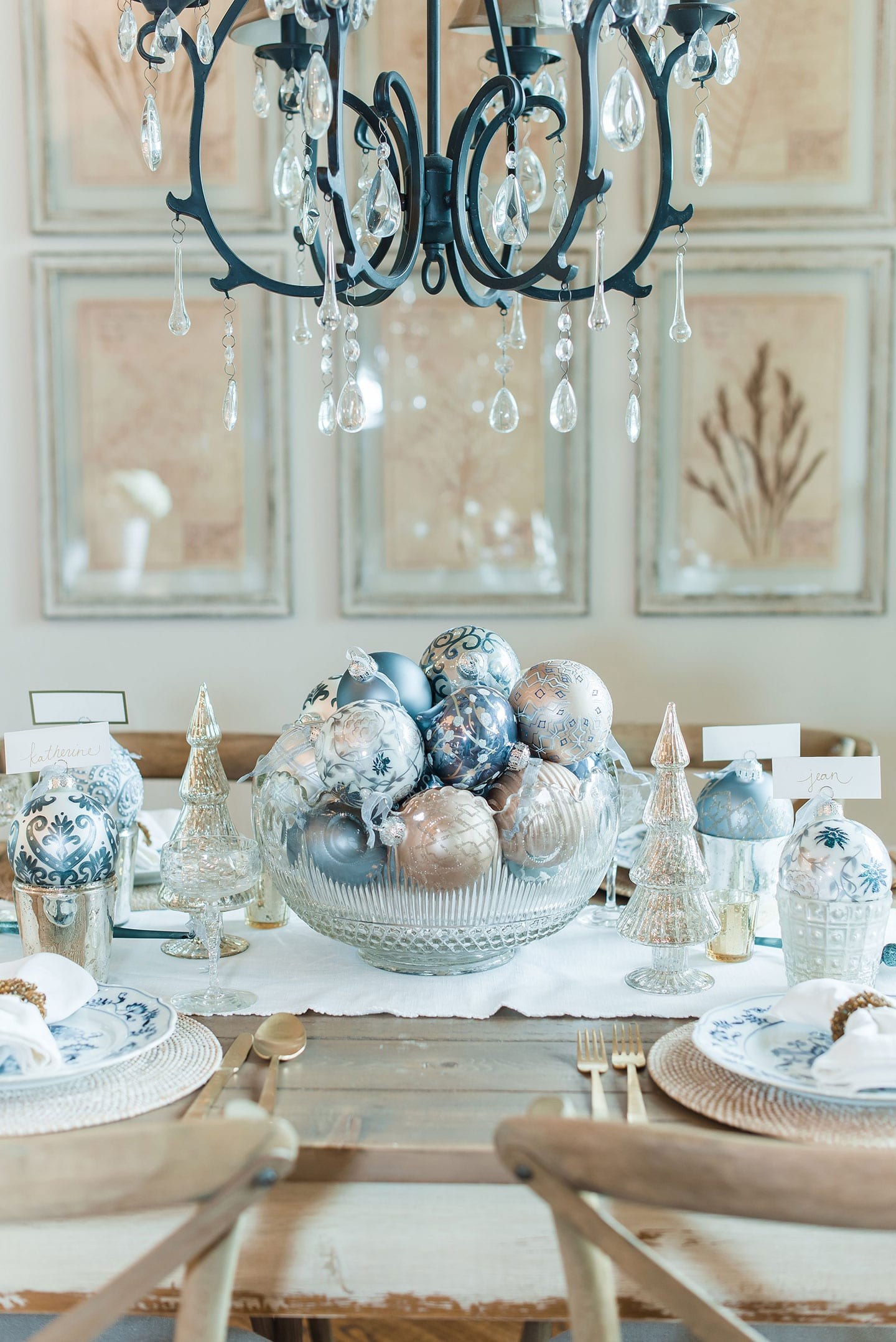 Unique Ways to Decorate With Ornaments This Holiday Season!