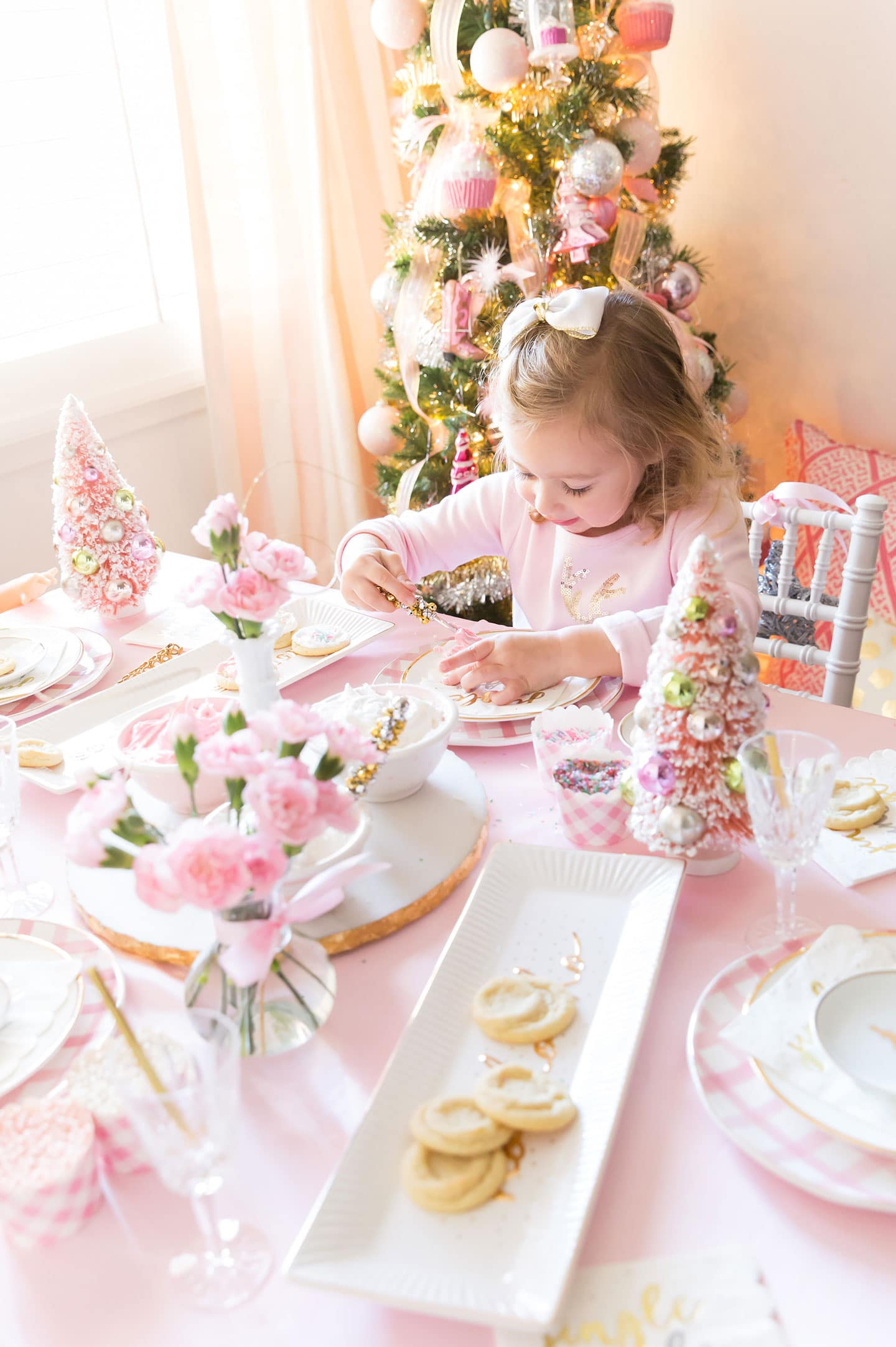 Christmas Cookie Decorating Party by Pizzazzerie