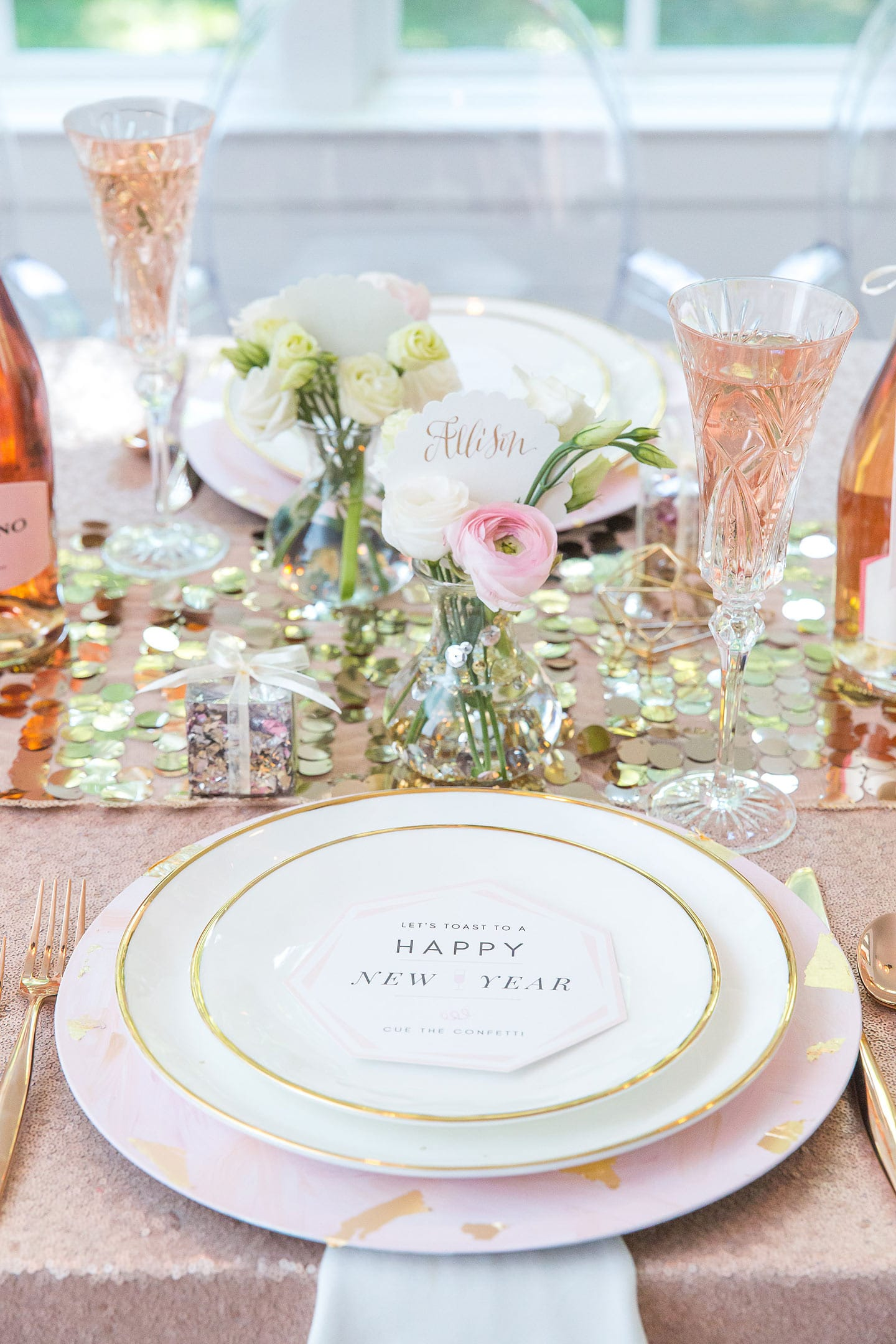 New Year's Eve Party Ideas Tablescape