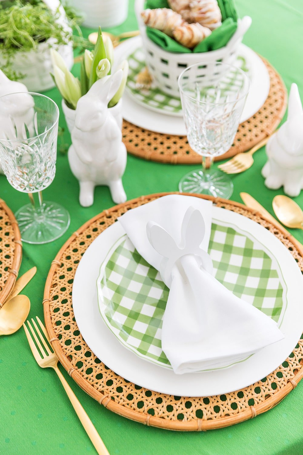 Pretty Easter Brunch Tablescape