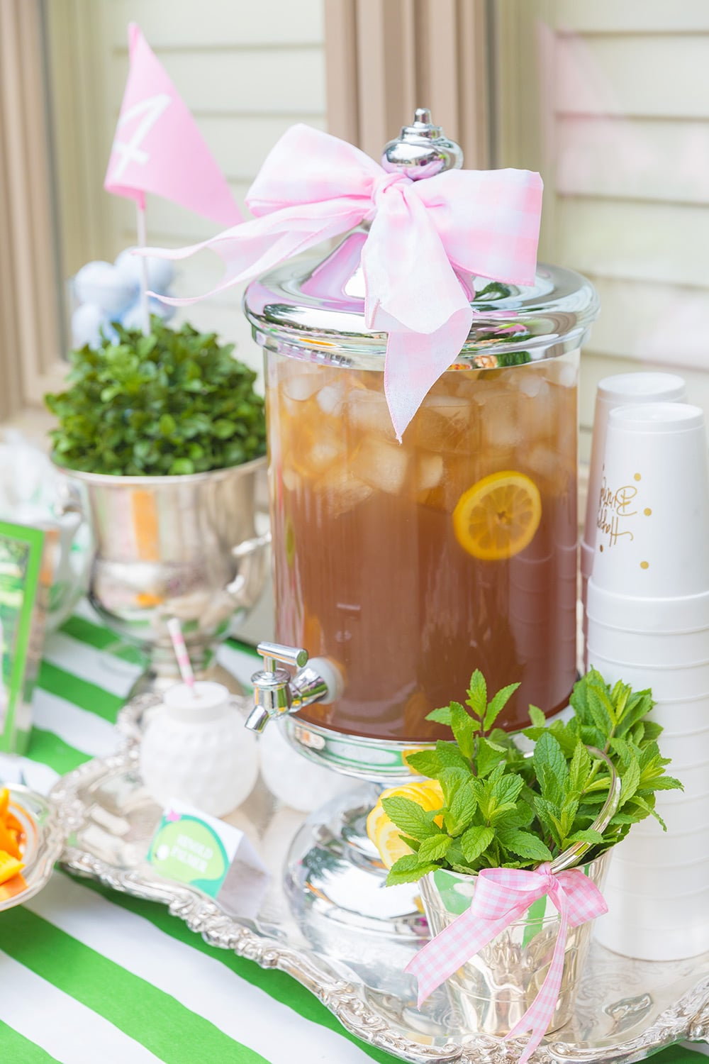 Arnold Palmers to drink at Golf Partee