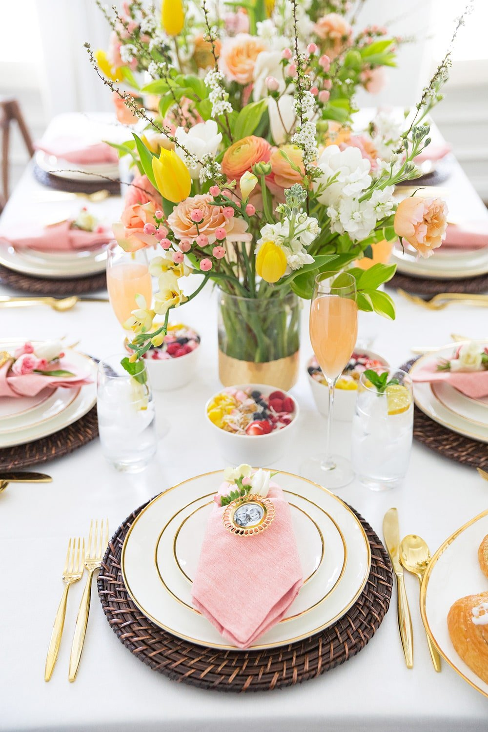 How to set the table for a Mother's day Brunch