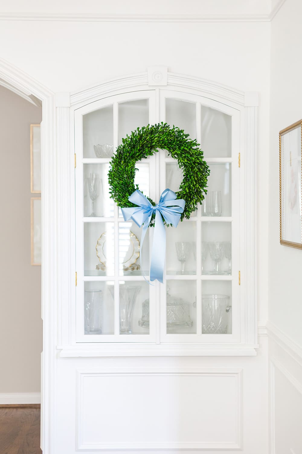 Boxwood wreath and bow