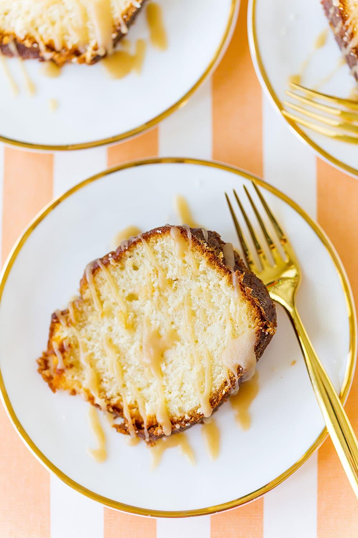 Rum Cake with Rum Glaze Izing