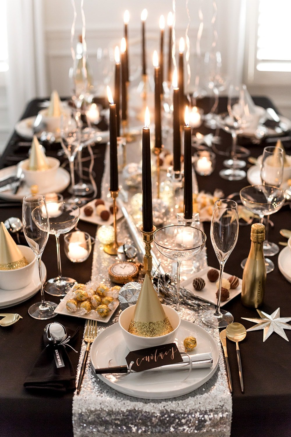 How to Host a New Year's Eve Dinner Party