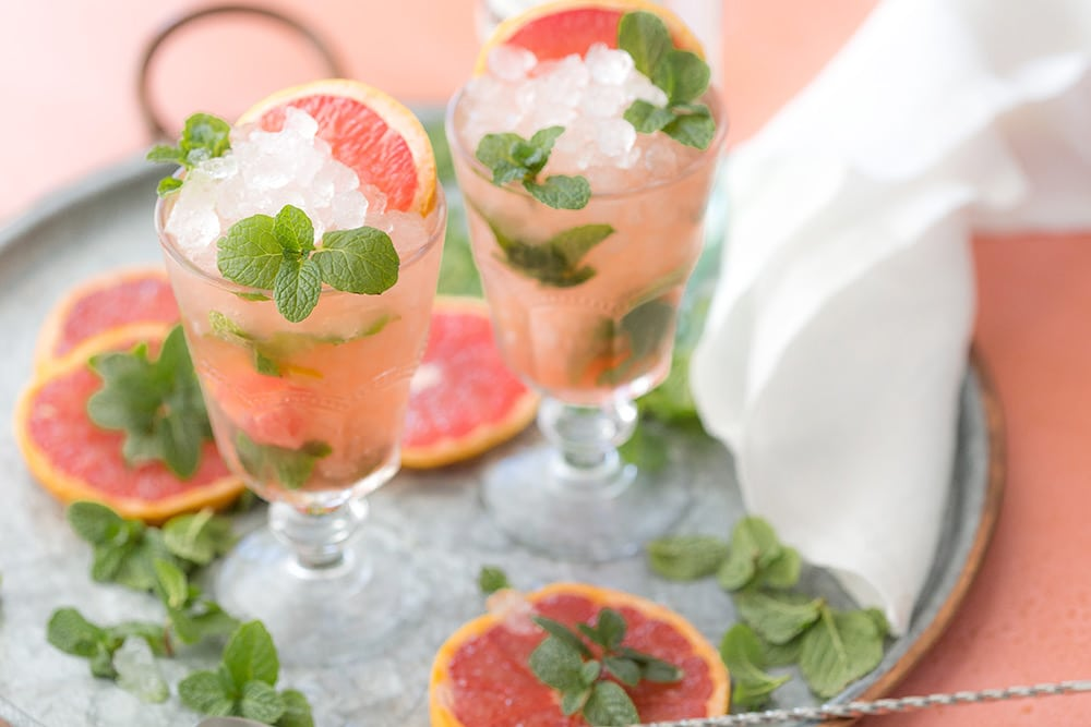 Refreshing grapefruit mojitos