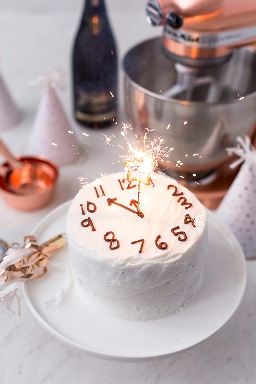 New Year's Eve Clock Cake