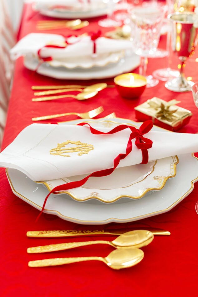 Red Place Settings Christmas