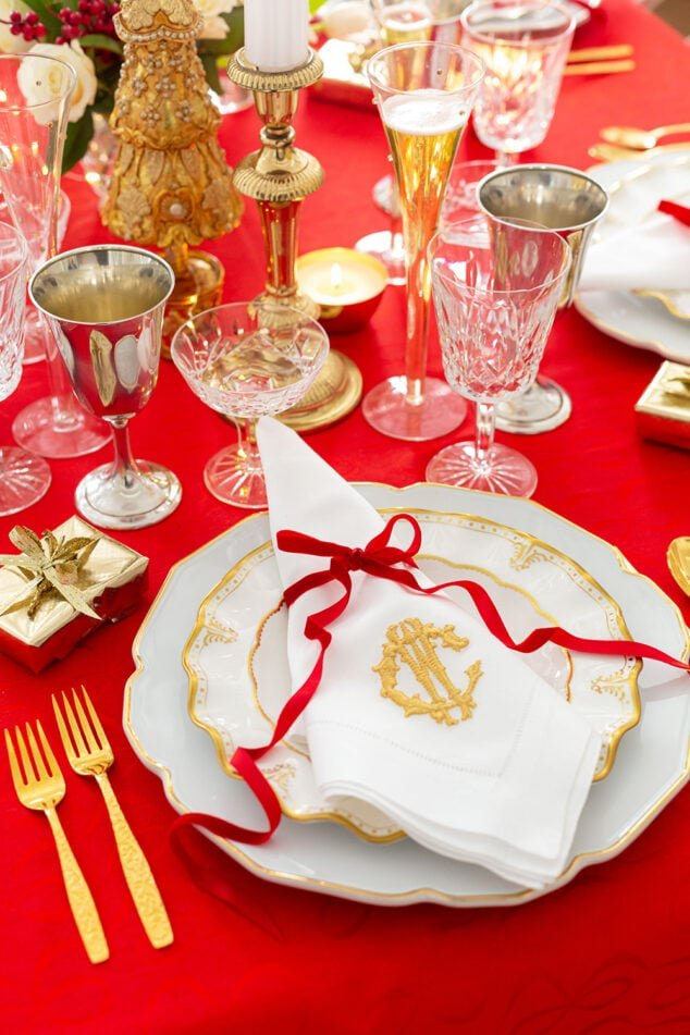 Christmas Tablescape in Red and Gold