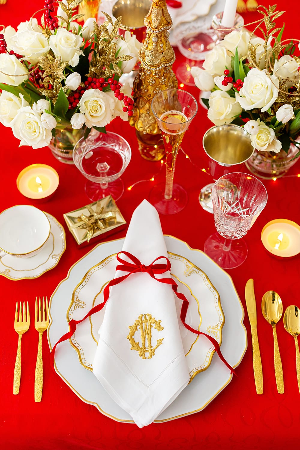 Christmas in the Dining Room | My Holiday Tablescape