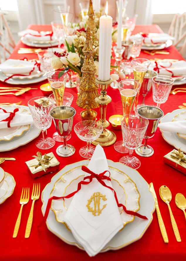 Red Holiday Tablescape