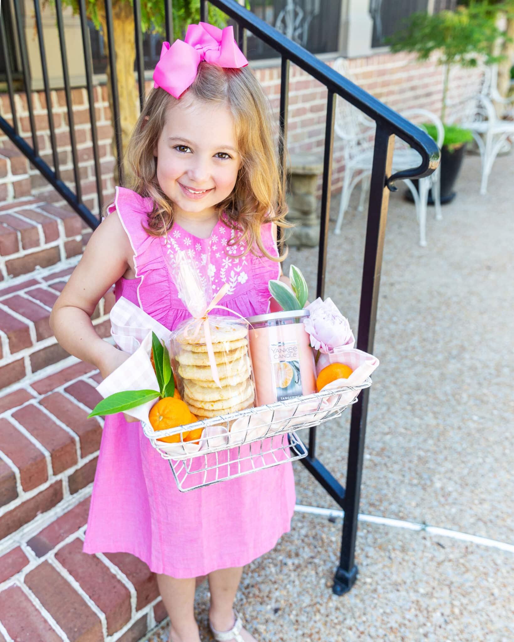 Gifting Cookies to Neighbor