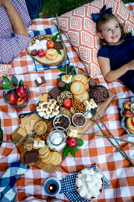 backyard smore\'s party spread