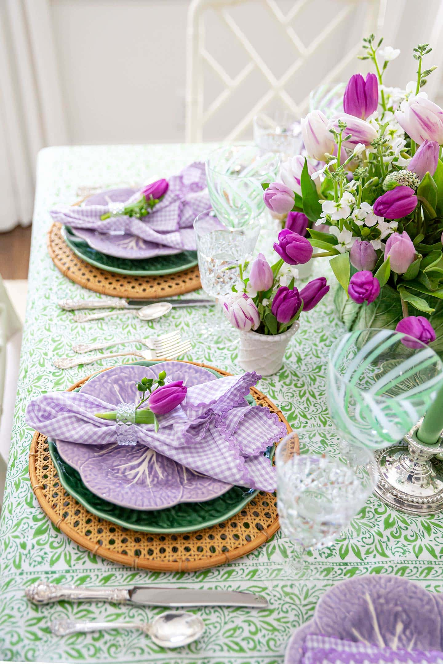 spring table decorations.
