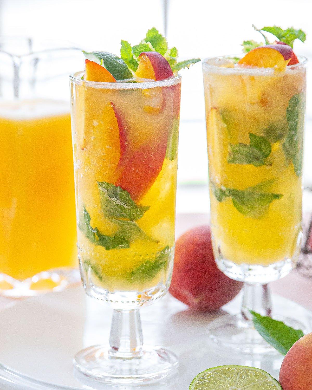 Fresh Peach Mojito Cocktails
