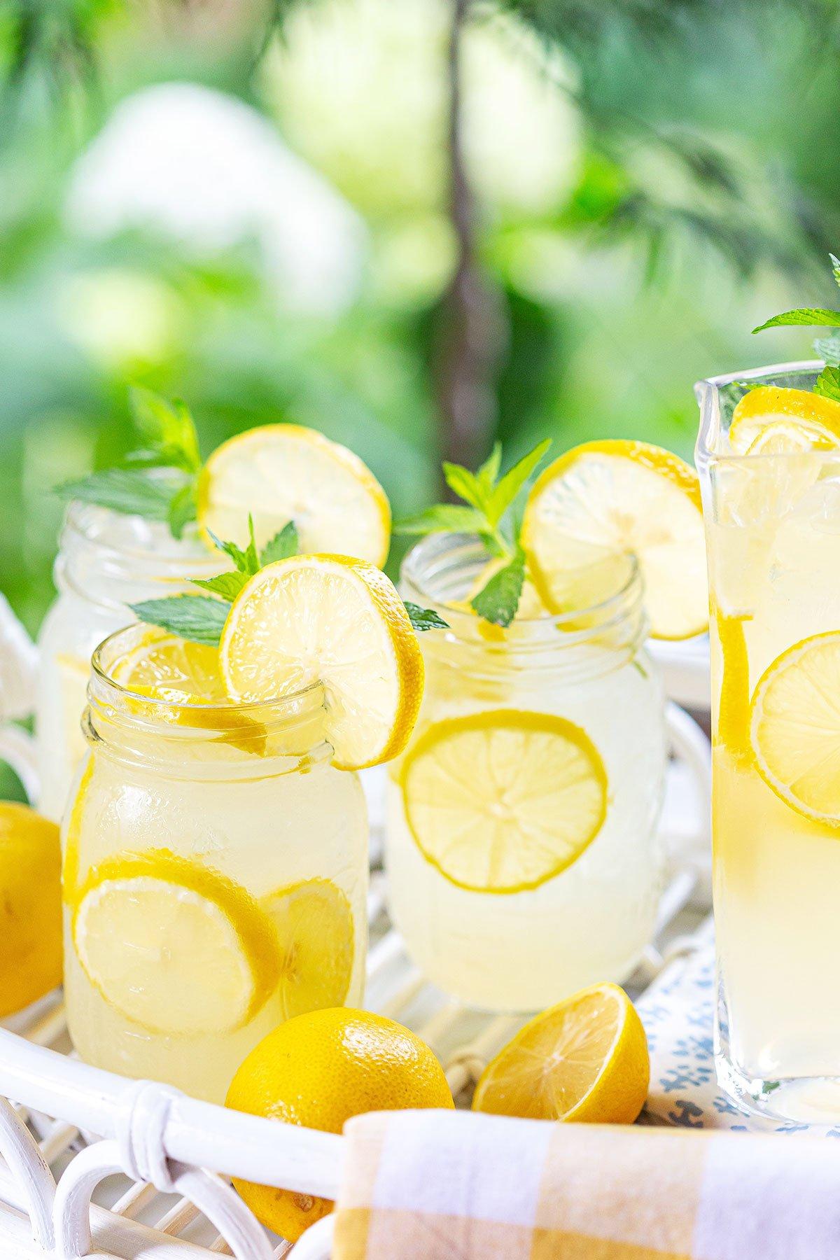 Old-Fashioned Lemonade (3 Ingredients)