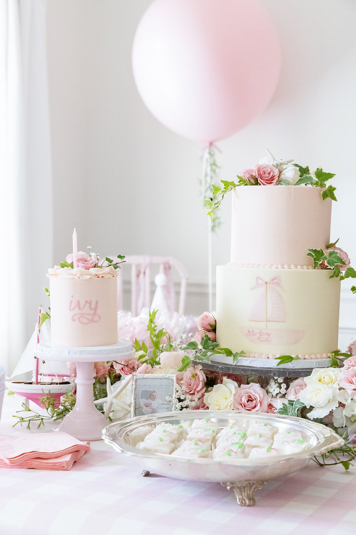 1st birthday party cake and smash cake